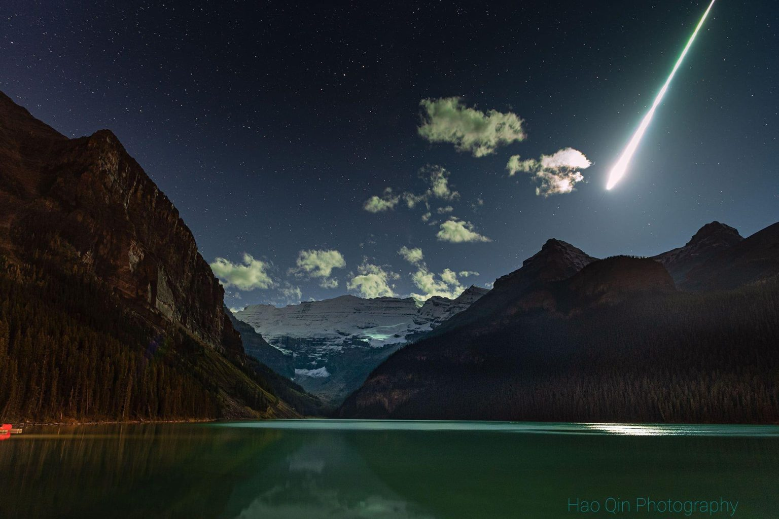 Meteor fireball that exploded over Lake Louise, Canada on October 4, 2021. Picture Hao Qin Photography via Reddit